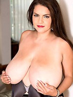 Busty and curvy beauty Alaura Grey
