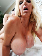 Photos of mature pornstar Tia Gunn